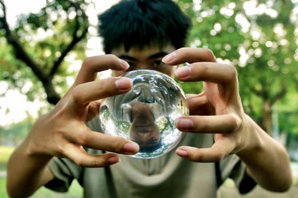 malabarismo-bola-cristal[1]